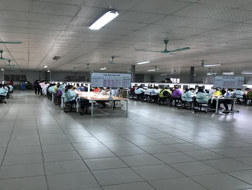 7连接器,数据线生产2厂车间.jpg